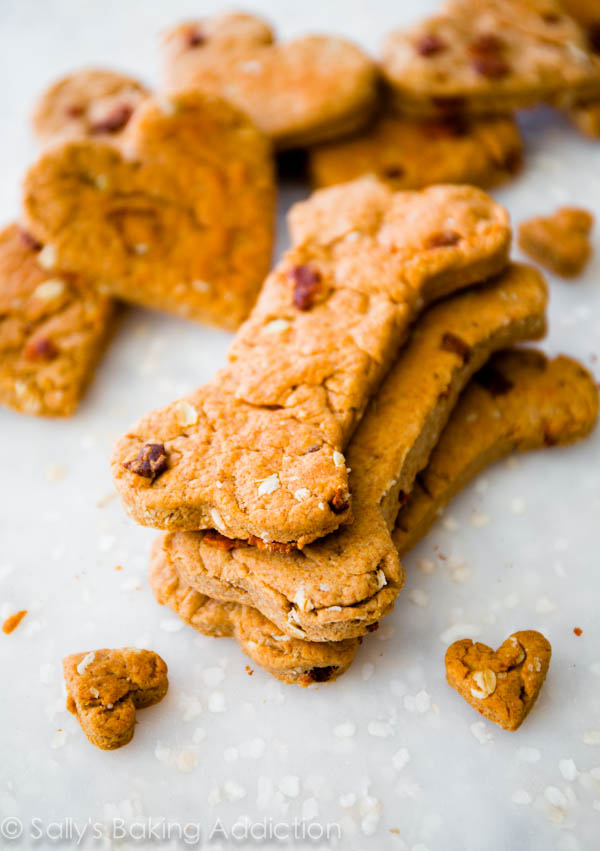 Peanut Butter Dog Biscuits. Peanut Butter Dog Biscuits - Peanut Butter & Molasses, a Sweet Treat Peanut Butter Biscuit Recipe - Easy Recipe with Oats Peanut Butter Dog Treat - Use Safflower Oil for Healthy Biscuits Homemade Peanut Butter Dog Biscuits - Made with Soy Milk Homemade Dog Biscuits - Sweet & Savory with Bacon Pumpkin Dog Treats - Sweet with a Hint of Cinnamon.